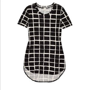Wilfred Capucine tee shirt black with White check